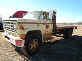 GMC 7000 FLATBED DUMP TRUCK,  **DOES NOT RUN**, 366 V8 GAS ENGINE, 5+2 SPEE