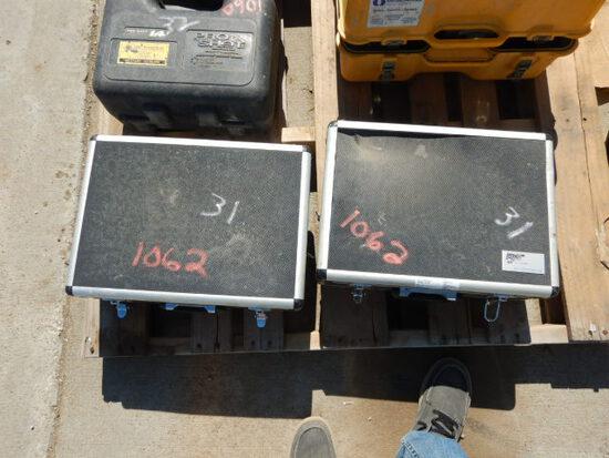 (2) MAX XT, GAS DETECTORS