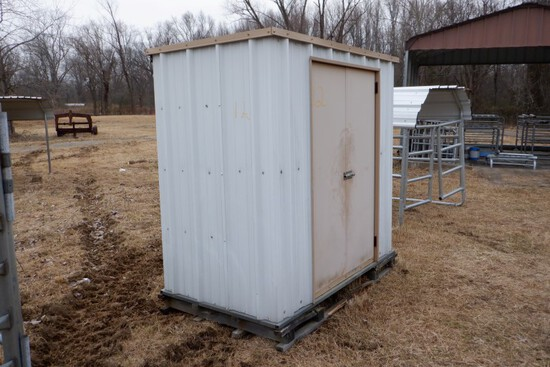 ENCLOSED SHED,  7' X 4', DOUBLE METAL DOOR, ON PALLET, SHELVES INSIDE