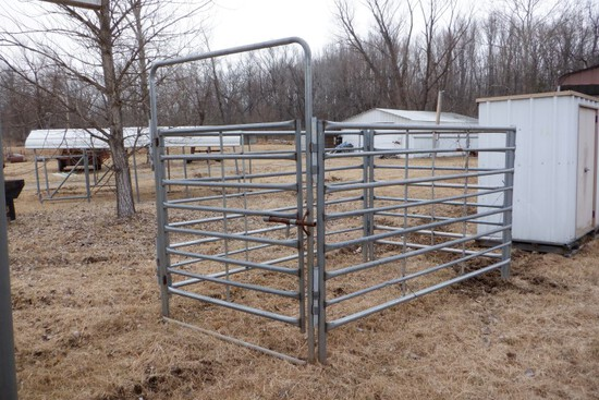 PORTABLE CORRAL PEN,  6' X 10', WITH BOW GATE