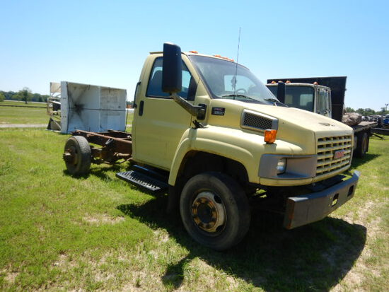 2003 GMC C5500 CAB & CHASSIS,  CNG ENGINE, AUTOMATIC, DUALLY (MISSING OUTSI