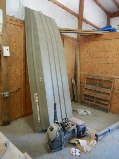 TRACKER TOPPER 10 ALUMINUM BOAT,  SELLS WITH OUTBOARD MOTOR AND FUEL TANK S