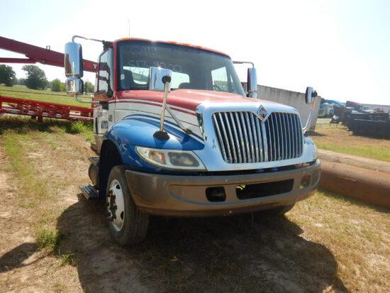 2006 INTERNATIONAL 4200 CAB & CHASSIS,  NO MOTOR, NO TRANSMISSION S# 386661