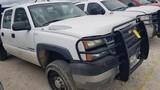 2005 CHEVROLET 2500 FLATBED TRUCK,  CREW CAB, 2-WD, 6.0 LITRE GAS, AUTOMATI