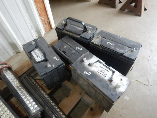 LOT WITH BATTERIES
