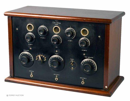 Air-Way Co. G - 5-tubes, RF Amp, Detector. AF Amp. (5) Bakelite tubes, filament OK.