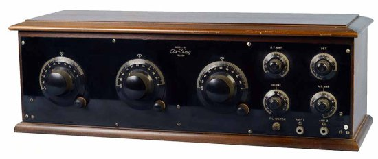 Air-Way Co. 51 - 5-tube receiver. 2-Stages RF; Detector; 2-Stages AF. (5) Bakelite based tubes,