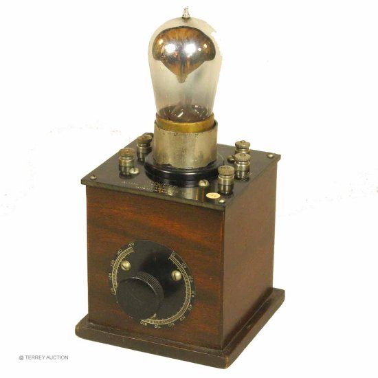 Acme Y-2 - Amplifier Unit with (1) brass base, tipped display tube.
