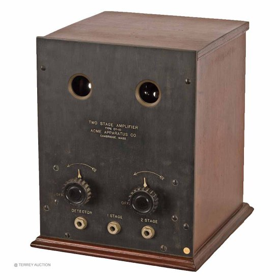 Acme DY-10 - Scarce. 2-Stage AF Amplifier. Includes good original box. With (2) brass base tubes,