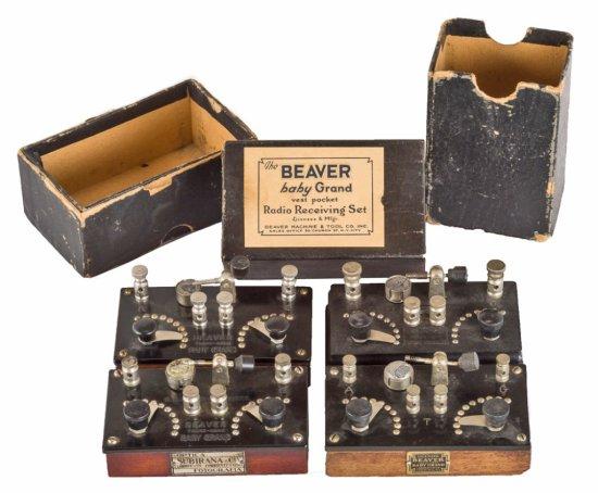 B. M. & T. Co.   (4) Beaver Baby Grand Crystal Sets