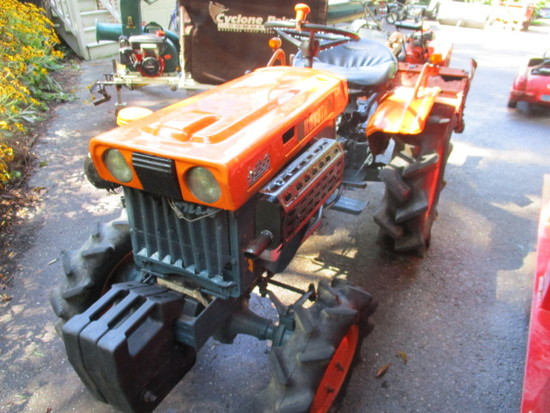 Kubota B 7000 4 Wheel Drive, 2 Cylinder Diesel Tractor with Roto Tiller Attachment