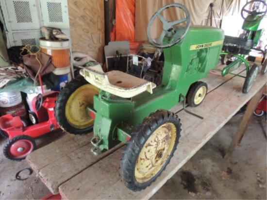 John Deere Metal Tractor