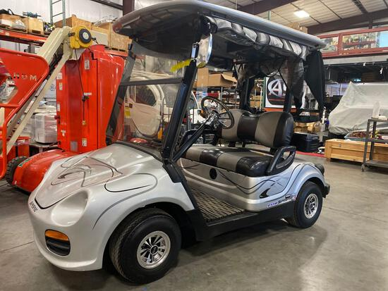 SUPERSPORT ELECTRIC PORSCHE GOLF CART, BATTERY CHARGER INCLUDED, ROLL UP FLAPS/WINDOWS, RUNS AND