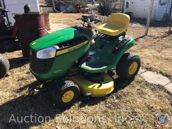 """John Deere D105 Auto 42"""" 17.5 HP Lawn Tractor w/ only 49 hours. Runs Great"""