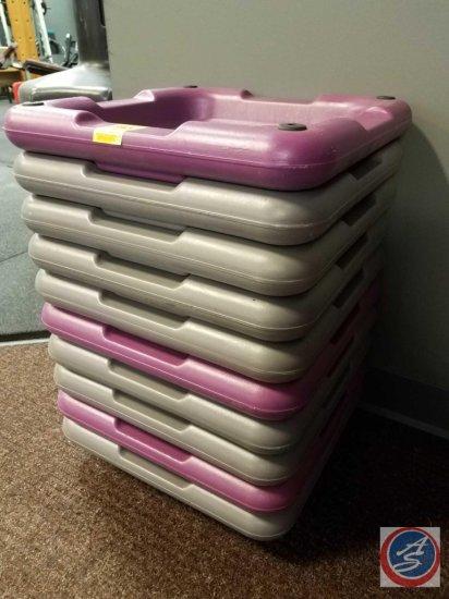 10 plastic risers
