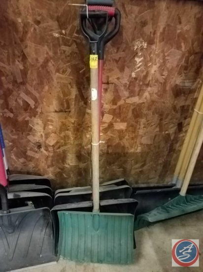 (4) unmarked snow shovels, (3) have wooden handles. (1) measuring 17 inches, (2) 20 inches, and (1)