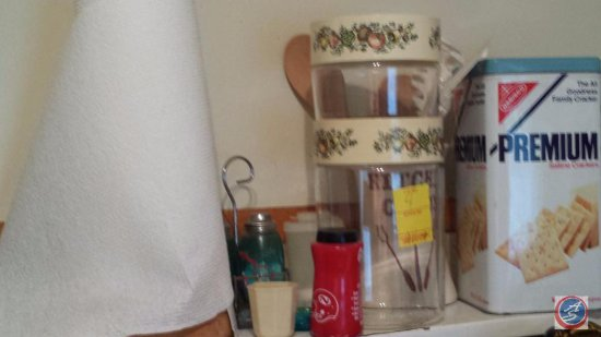 Vintage Nabisco premium saltine crackers tin and miscellaneous kitchen items
