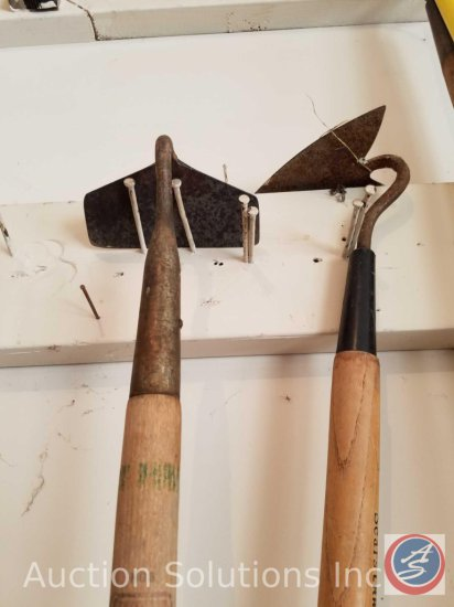 (2) garden hoes, True Temper #6 and Craftsmen #8423