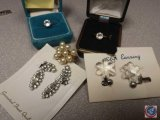 [2] pair of vintage clip earrings; [2] fashion rings and a faux pearl ring