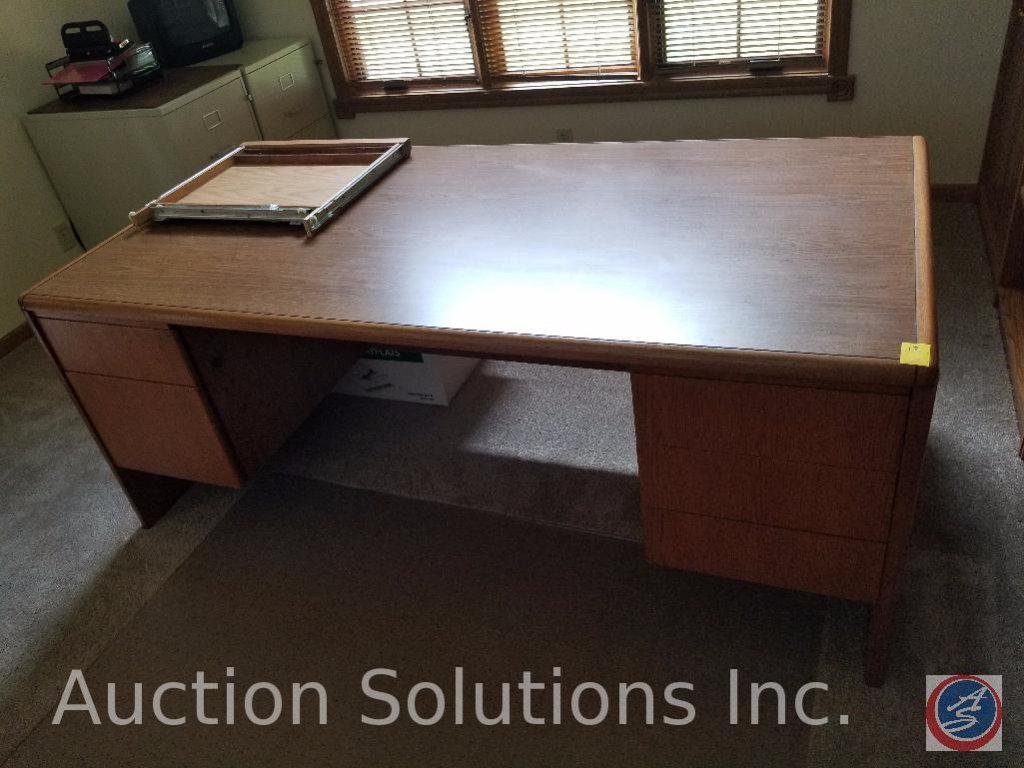 "Anderson Fine Office Furniture Wood Desk 6' x 35.5"" x 28.5"" w/ Plastic Office Chair Mat"
