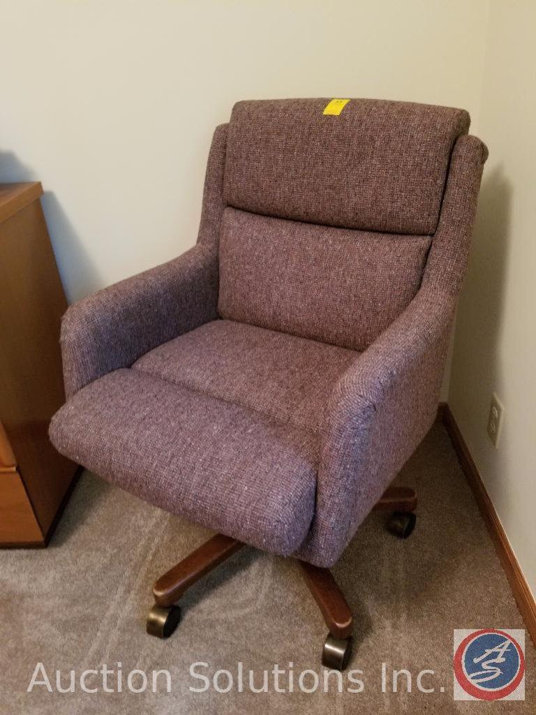 La-Z-Boy Upholstered Swivel/Rocker Office Chair on Wheels
