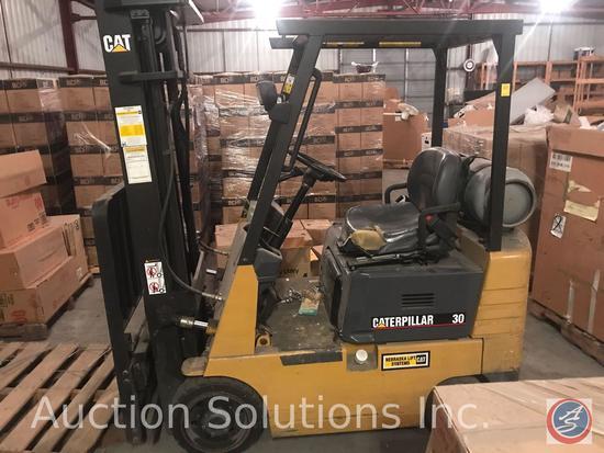Caterpillar 30 propane cushion tire lift truck with tri-plex Hi Vis mast, side shift and headlights.