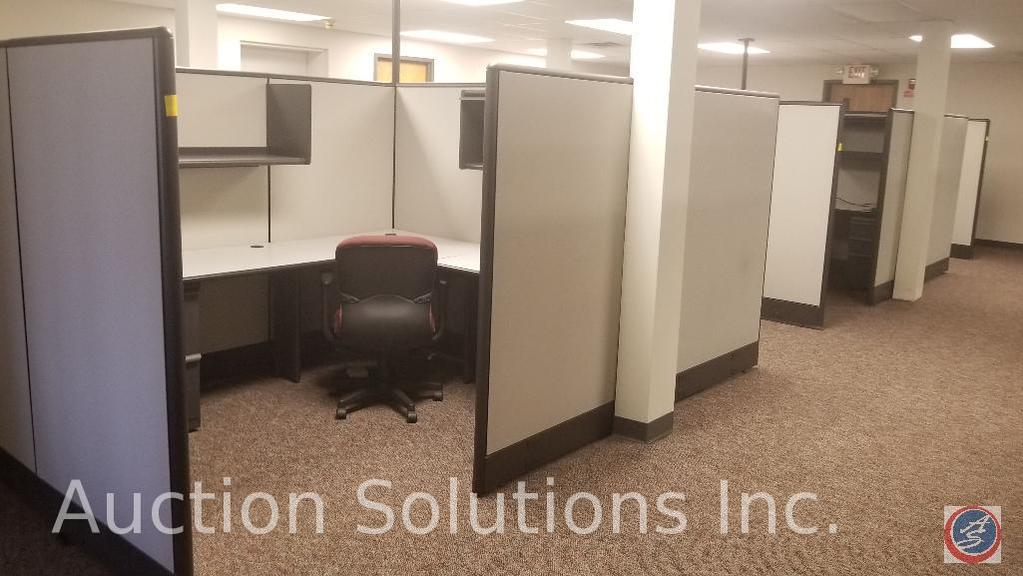 Eight cubicle sections of zaps Cuba systems its??s modular includes laterals and rolling three