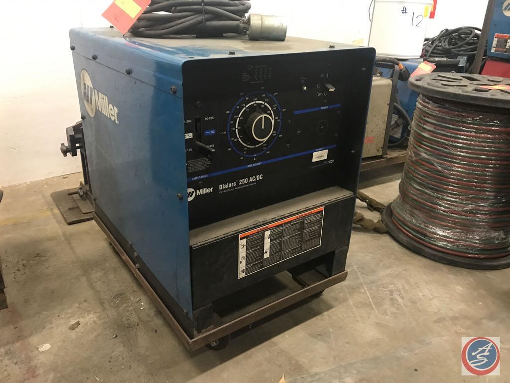 Miller Dialarc 250 AC/DC CC Arc Welding Power Supply 220/460 V 1