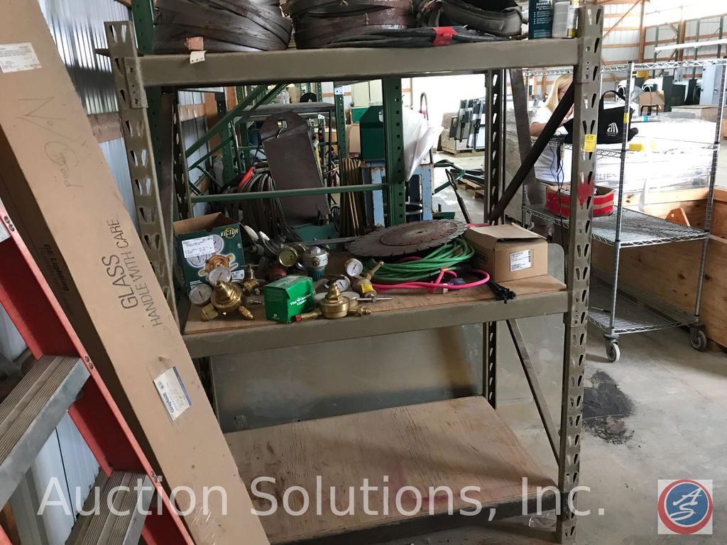 Lot: One section of pallet rack 30 x 48 x 72 tall includes: 2