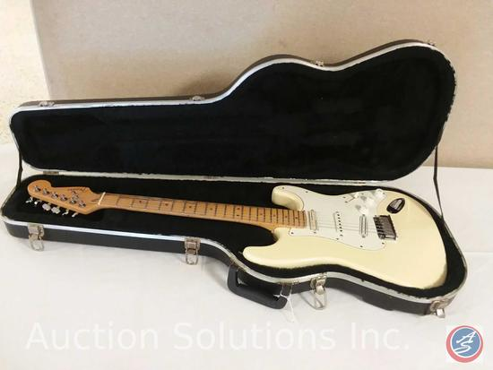 American Fender Stratacaster Off-White Electric Guitar SN: 511125 w/ Hard Case (modified with some