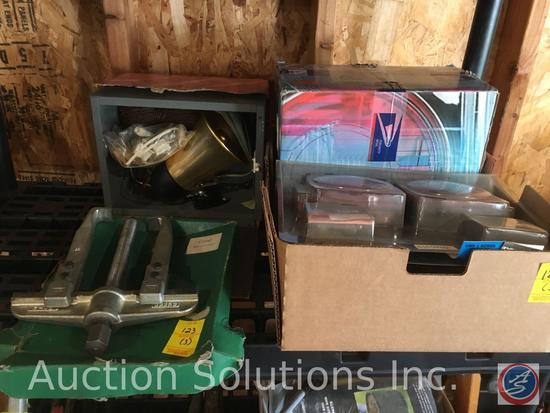 Box containing Lighting Instrument 149 for trailers and Chevy Pickup S10 94-UP Shromed Tail Lights