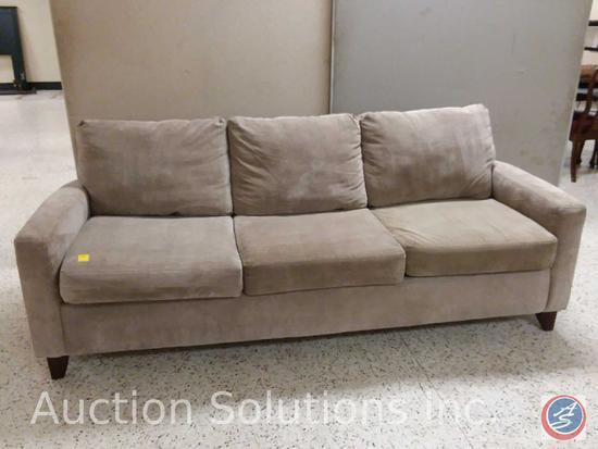 Tan 3 cushion microfiber sofa (89x39)