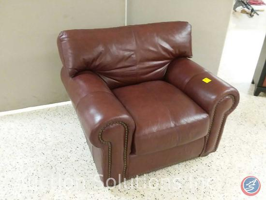 Brown Leather Trend lounge chair (42x35)