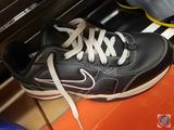Nike Women's Size 10 Air Heritage Trainer