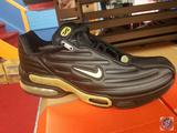 AirMax Adversity Size 13 Mens