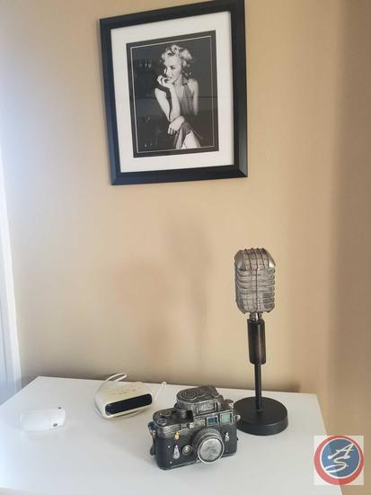 Framed Marilyn Monroe Print, Home Theater Admission Wooden Wall hanging, Vintage Look Microphone,