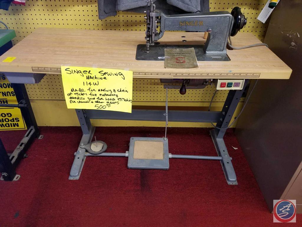 114W103 Industrial Singer Sewing Machine SN: W1318068 w/ a (1981) TACSEW Clutch Motor SN: 49478