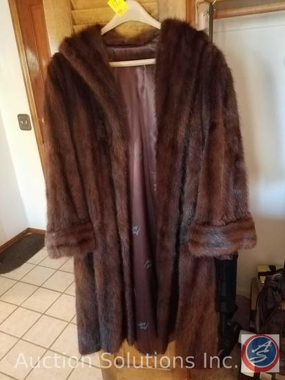 Women's Natural Muskrat Fur Coat - Size Unknown (Fur Label Authority Tag Dates Garment to Post 1956