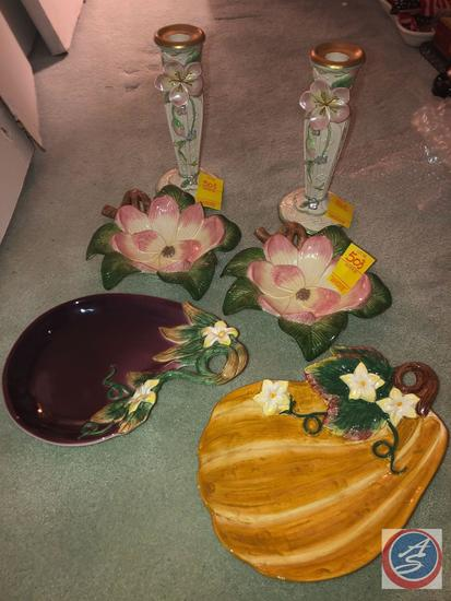 (2) Acorn Fitz and Floyd Classic Candy Dishes and (2) Flower Shaped Fitz and Floyd Candy Dishes and