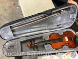 Lauren Full Size Student Violin