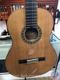 Sunlite GCN-3200 Full Size Intermediate Guitar