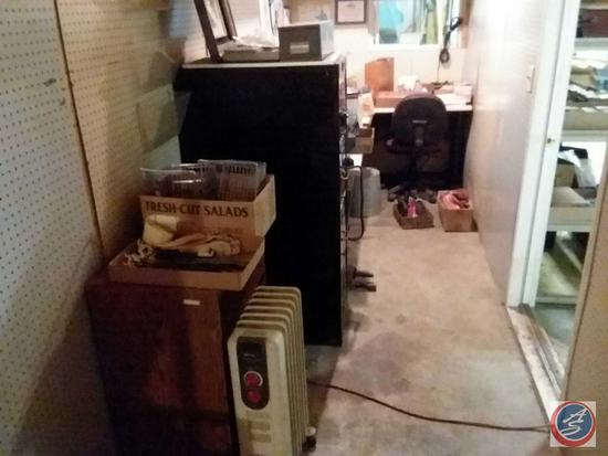 Assortment of Vintage Household items