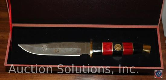 Davy Crockett Collector's Knife with Certificate of Authenticity in Original Collector's Box