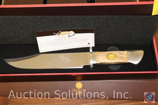 Majesty in Flight Collector's Knife with Certificate of Authenticity in Original Collector's Box