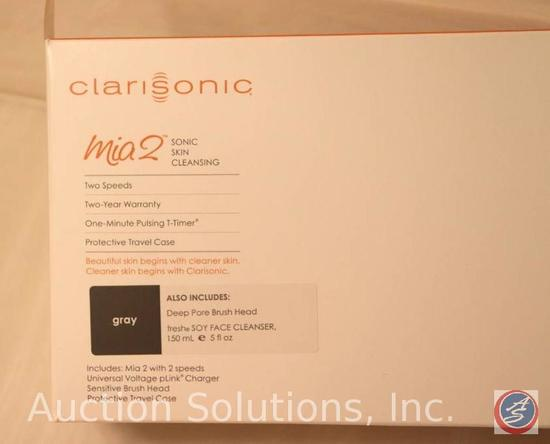 Clairsonic Mia 2 Sonic Skin Cleansing System {{IN ORIGINAL BOX}}