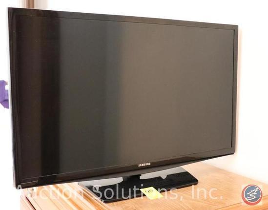 """Samsung 28"""" LED Flat Screen Television Model #UN28H4000AF"""