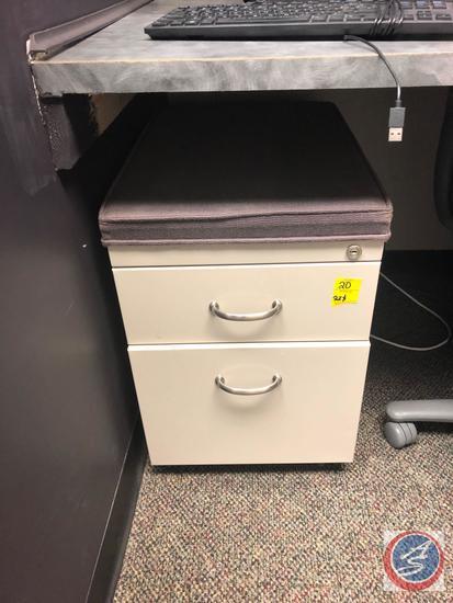 {{2XBID}} Steelcase Adjustable Swiveling Office Chair, Adjustable Swiveling Rolling Office Chair,