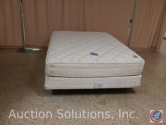Hilton 'Suite Dreams' Serta Perfect Sleeper Queen Size Bed Mattress w/ Box Spring and Frame