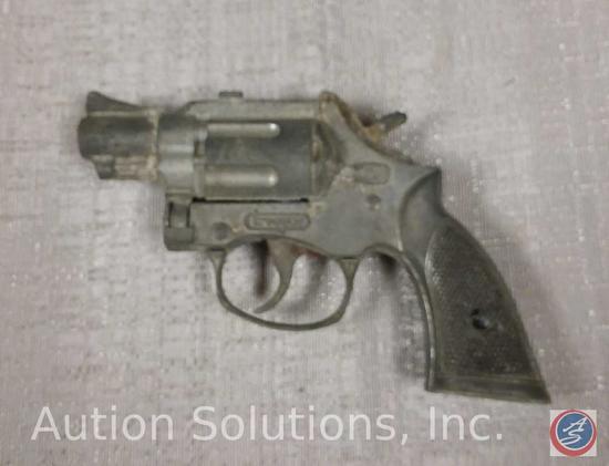 Hubley Trooper Cap Gun 5 1/2''