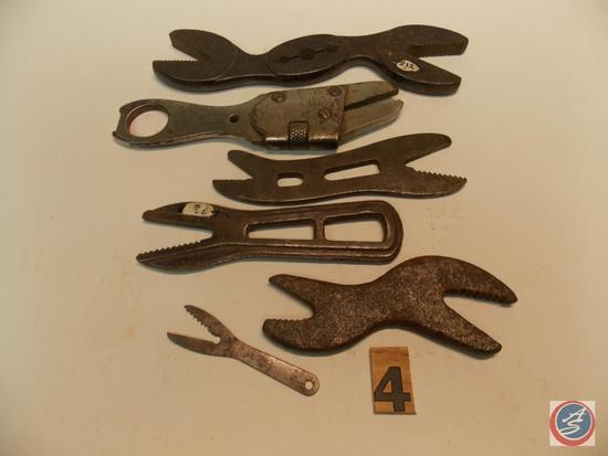 (6) Alligator Wrenches including Hawkeye Wrench Co 'Hawkeye' - Elgin adjustable - Bull Terrier - (3)